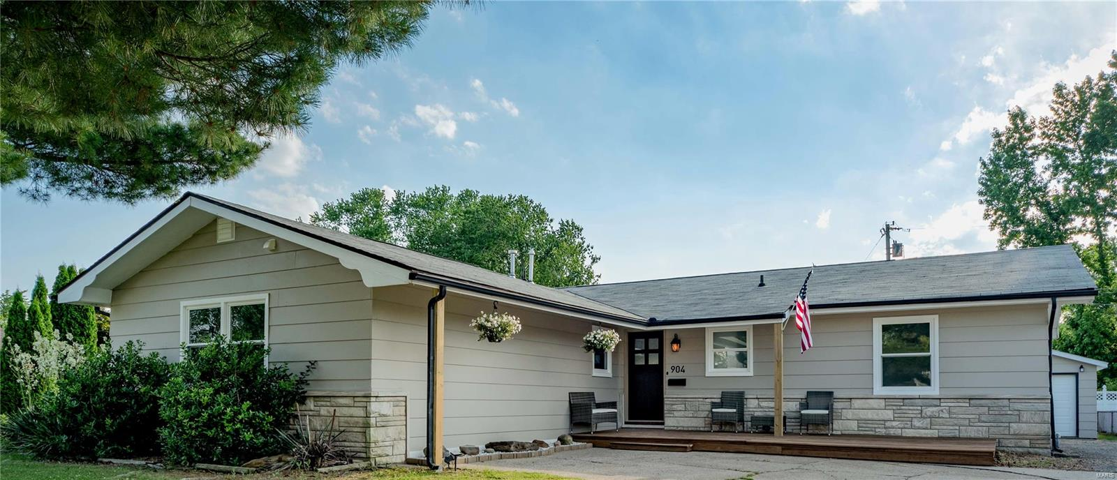 904 Cedar Property Photo 1