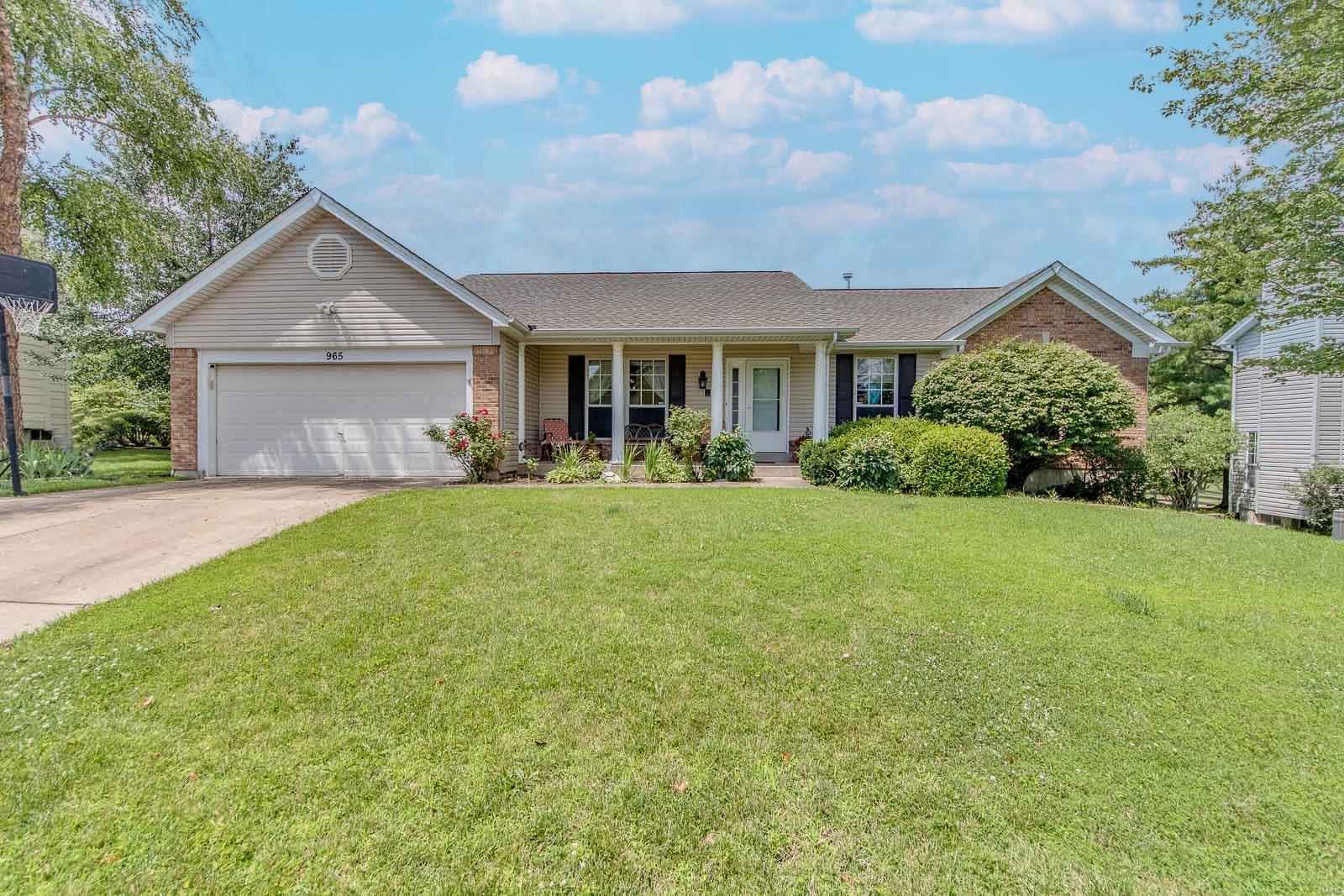 965 Weatherstone Drive Property Photo 1