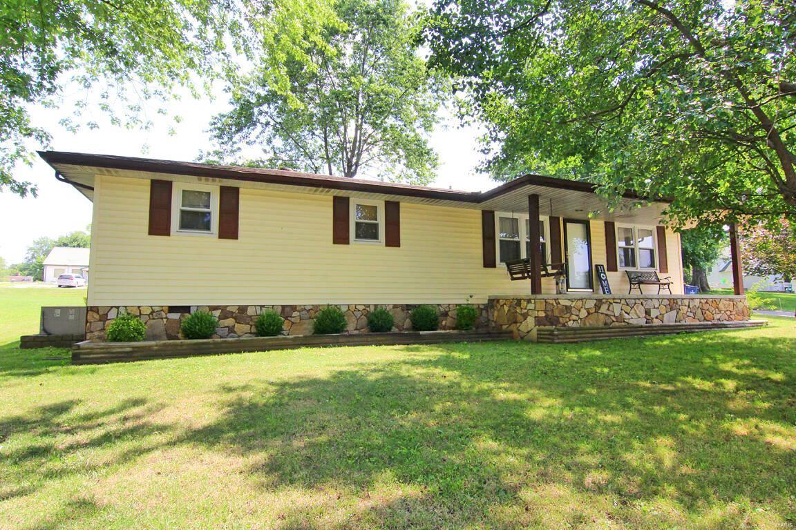 208 Walnut Street Property Photo 1
