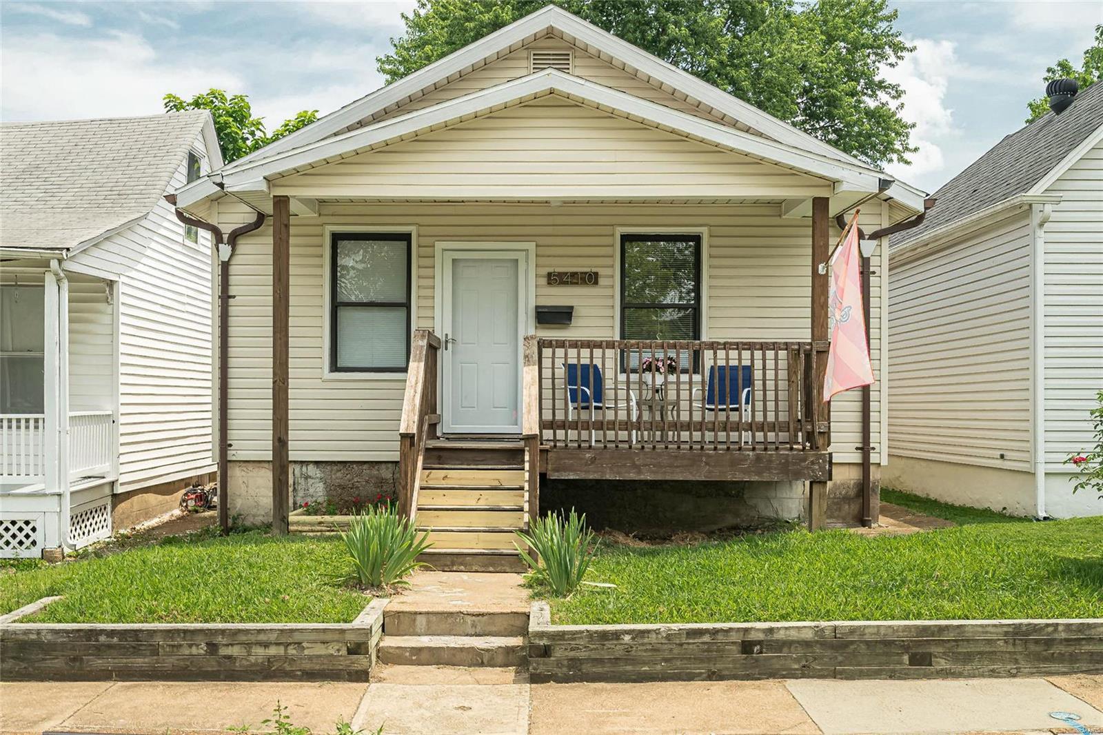5410 Christy Avenue Property Photo 1