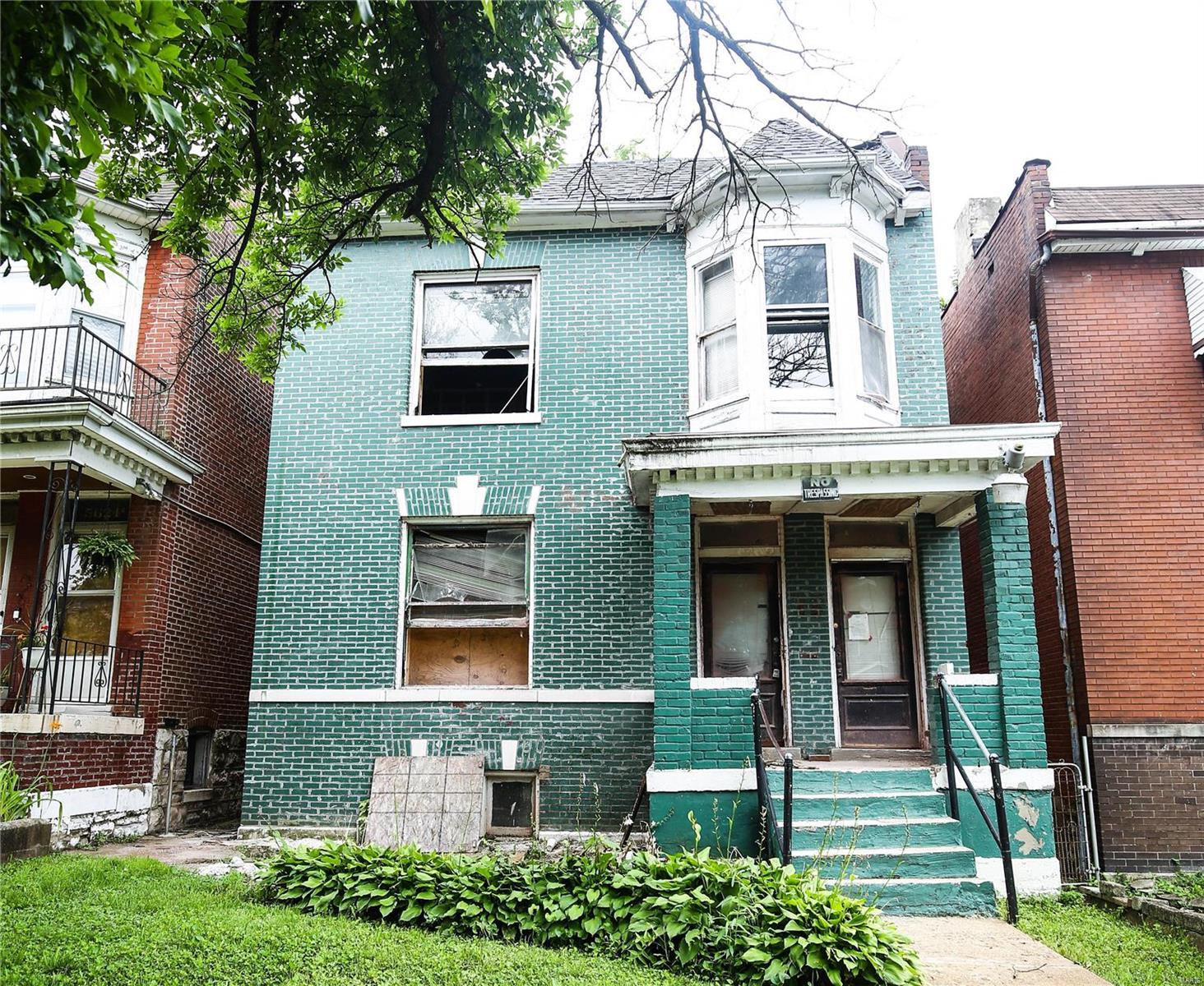5626 Maple Avenue Property Photo