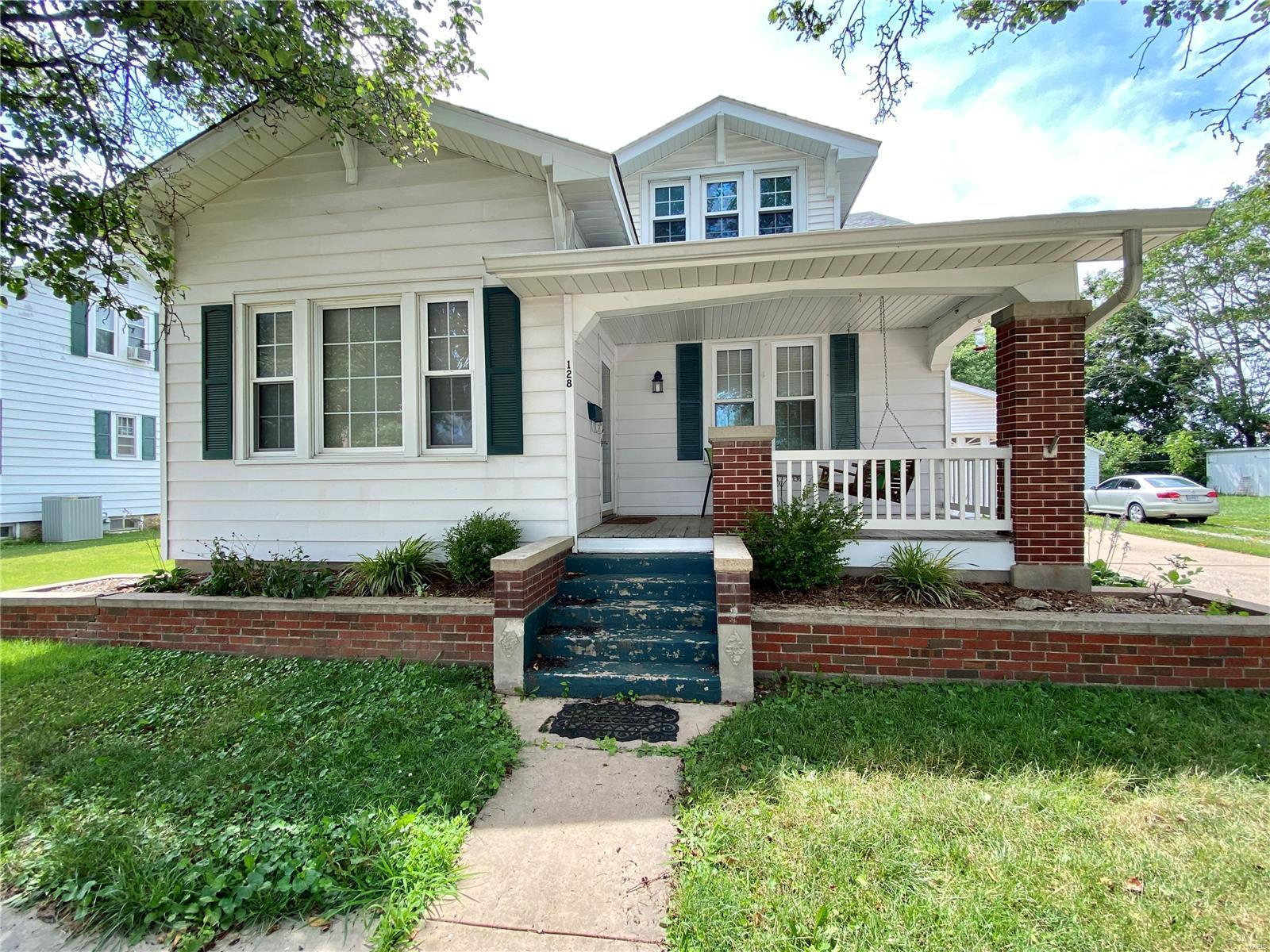 128 S Walnut Street Property Photo 1