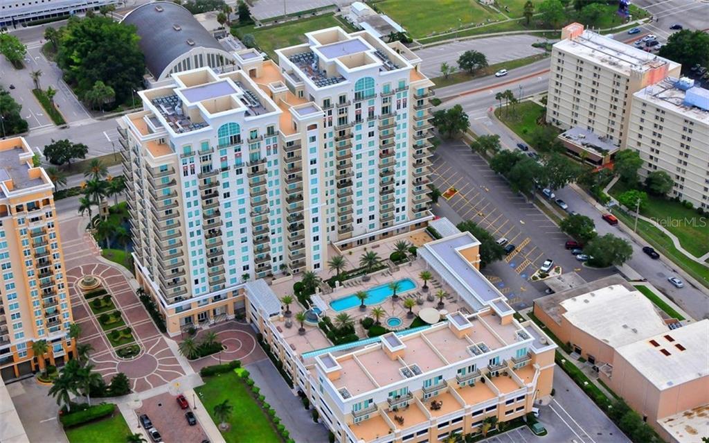 800 N TAMIAMI TRAIL #PH1707 Property Photo - SARASOTA, FL real estate listing