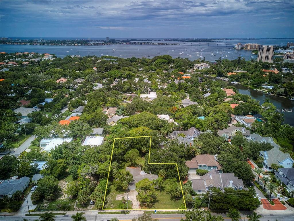 950 S Osprey Avenue Property Photo