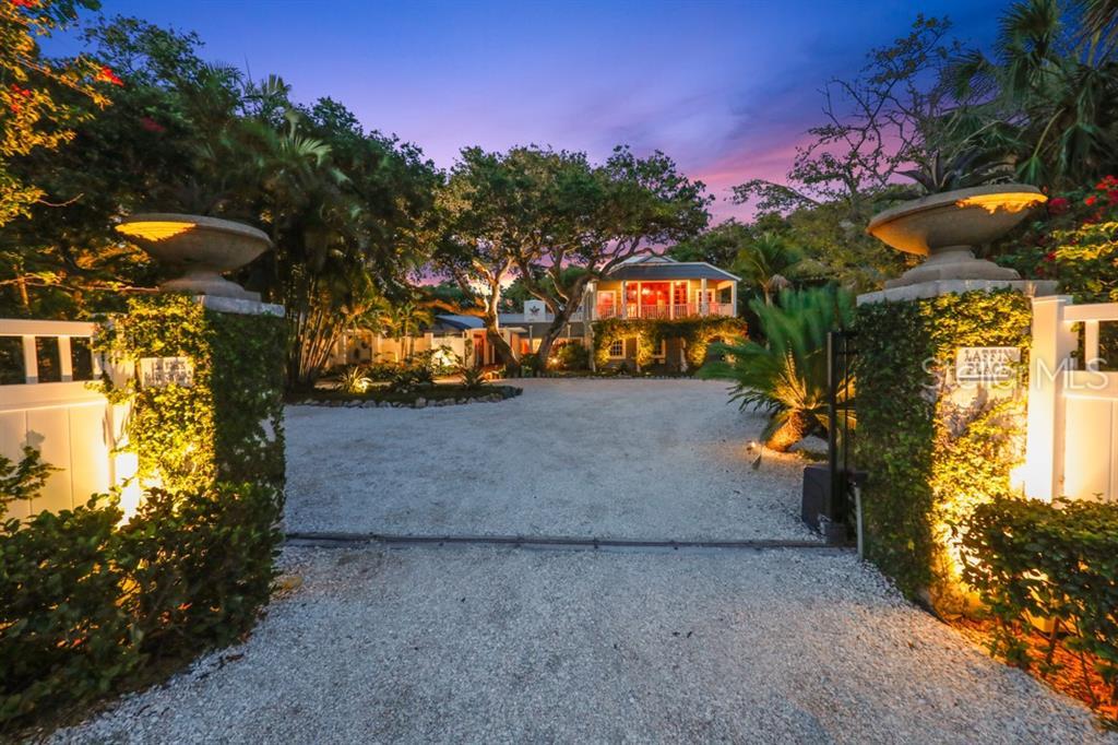 1044 N CASEY KEY ROAD Property Photo - OSPREY, FL real estate listing