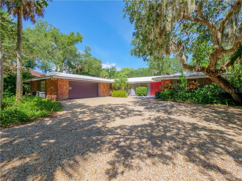 4848 OXFORD DR Property Photo - SARASOTA, FL real estate listing