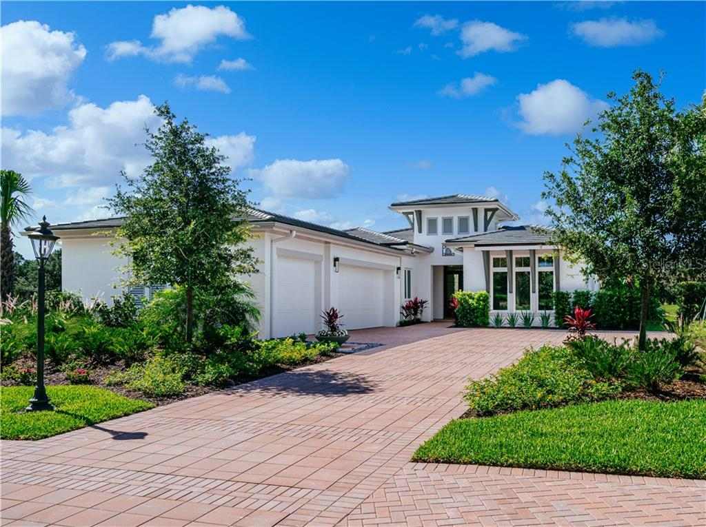 8841 COLONELS CT Property Photo - SARASOTA, FL real estate listing