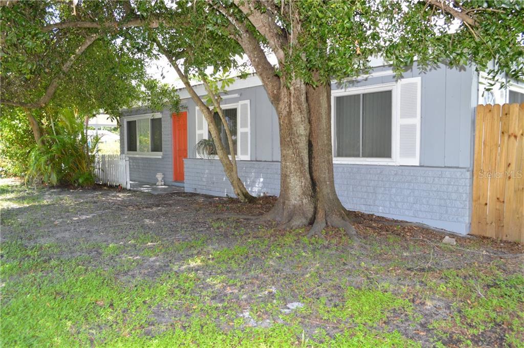 2113 S Tuttle Ave Property Photo