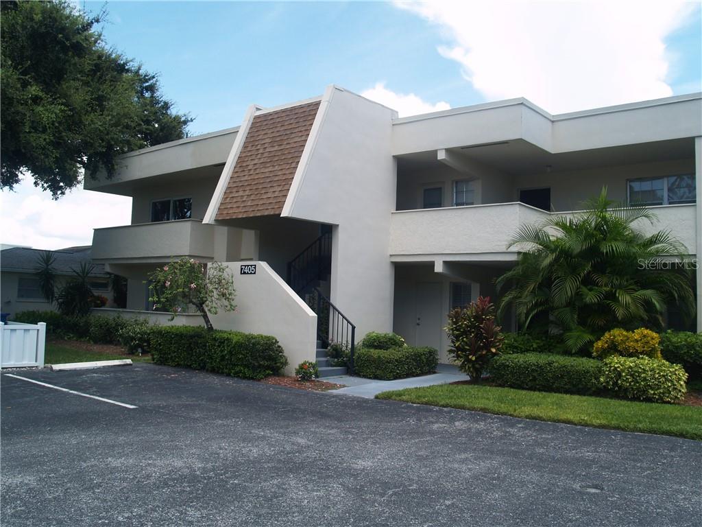 7405 W Country Club Drive N #104 Property Photo
