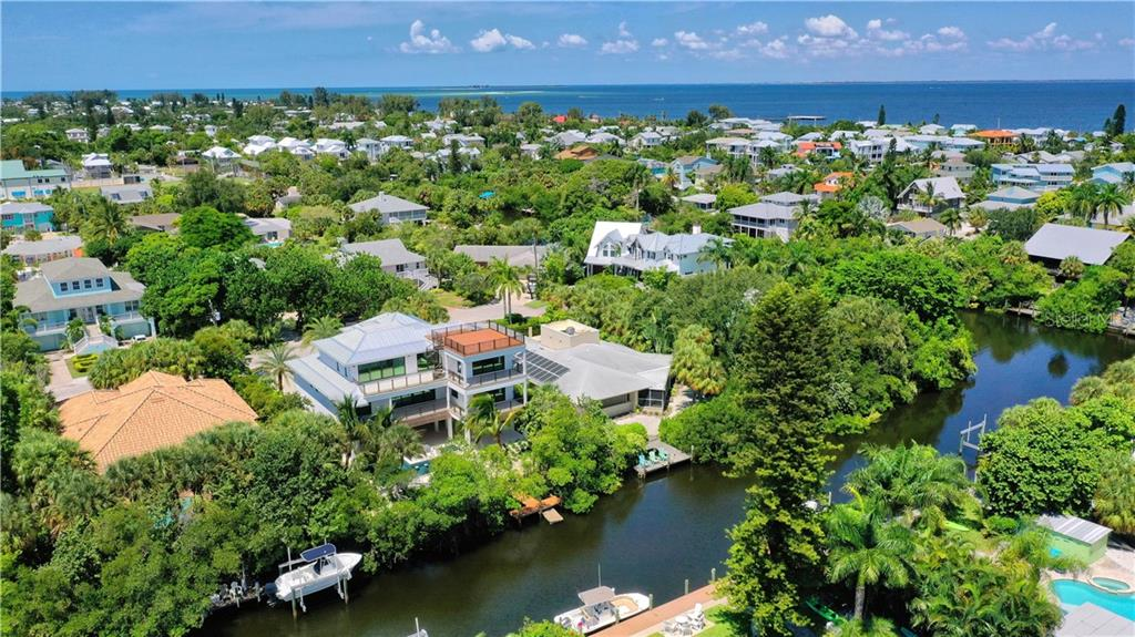 241 WILLOW AVE Property Photo - ANNA MARIA, FL real estate listing