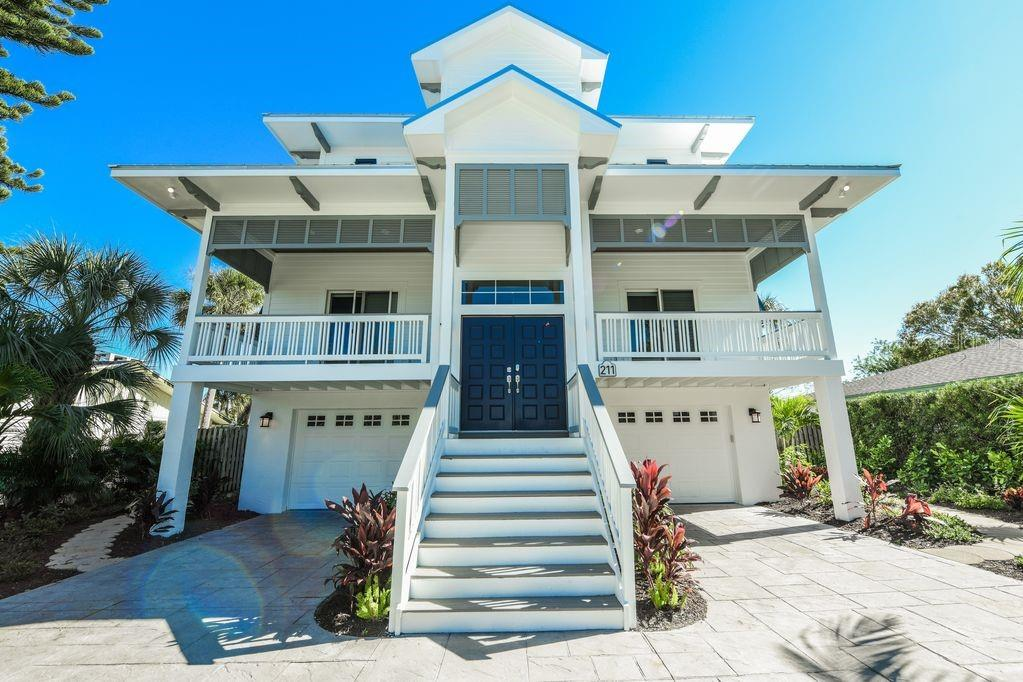 211 WILLOW AVE Property Photo - ANNA MARIA, FL real estate listing