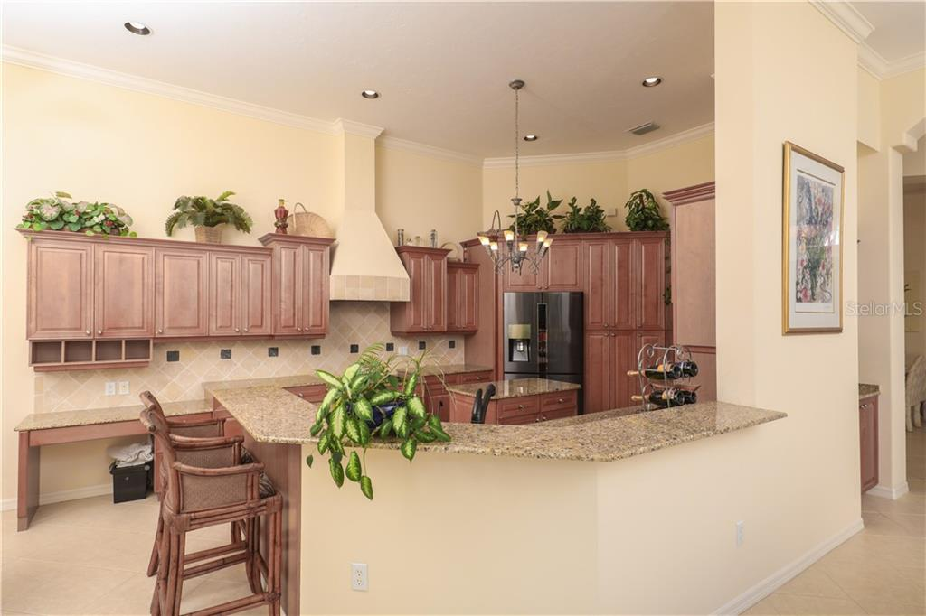 7075 Twin Hills Ter Property Photo 9