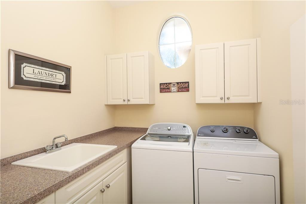 7075 Twin Hills Ter Property Photo 18
