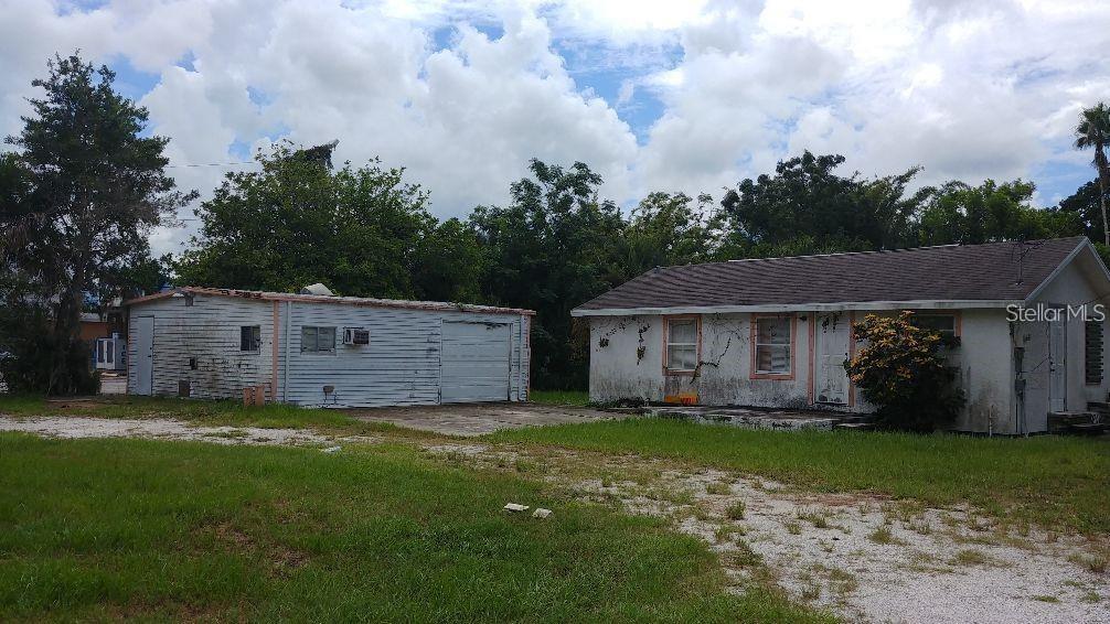 802 Colonia Lane E Property Photo