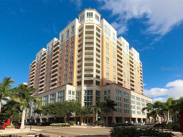 1350 MAIN ST #1105 Property Photo - SARASOTA, FL real estate listing
