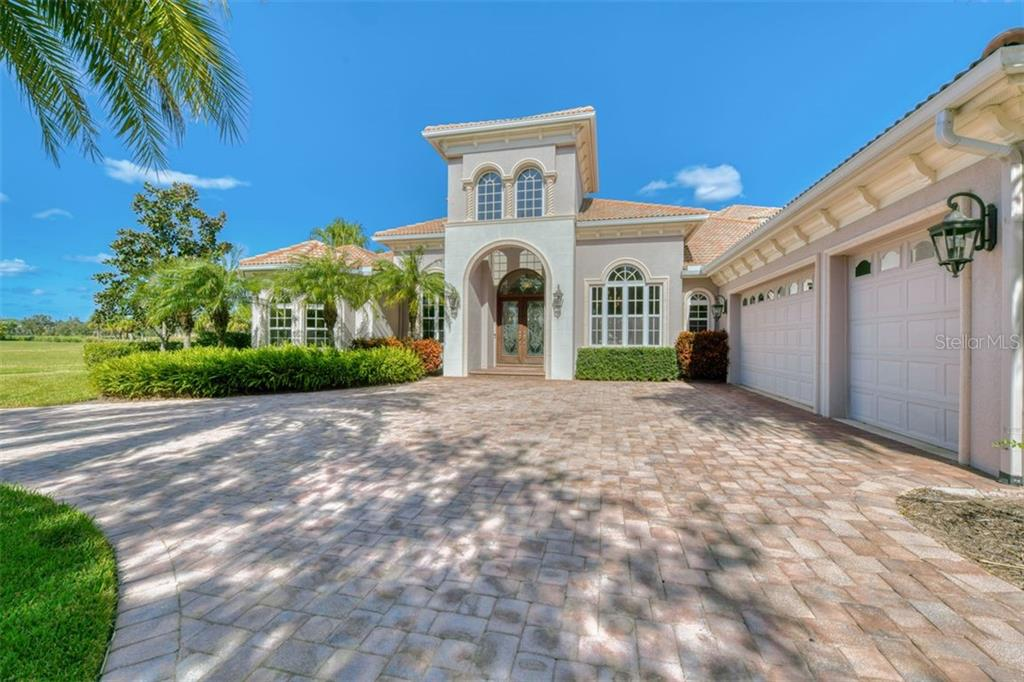 3719 FOUNDERS CLUB DR Property Photo - SARASOTA, FL real estate listing