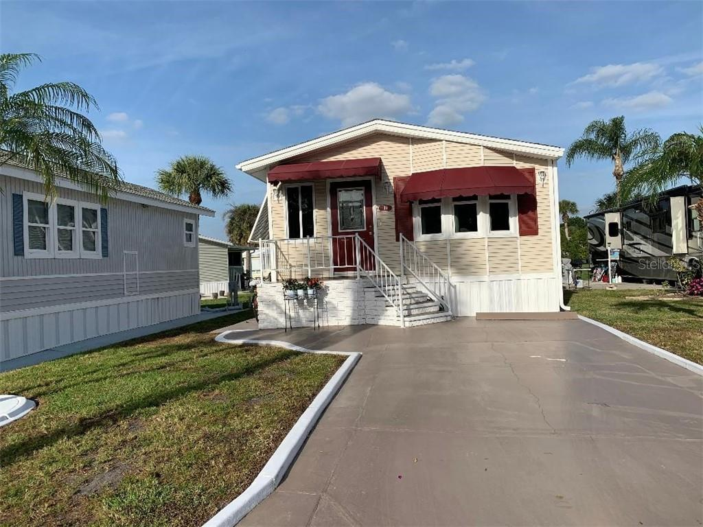 99 BAINBRIDGE DR Property Photo - NOKOMIS, FL real estate listing
