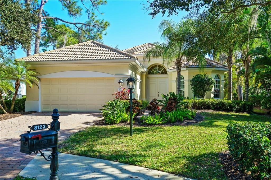 8123 ABINGDON CT Property Photo - UNIVERSITY PARK, FL real estate listing