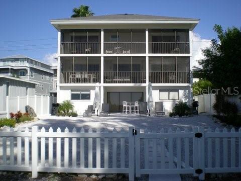 556 Beach Rd Property Photo
