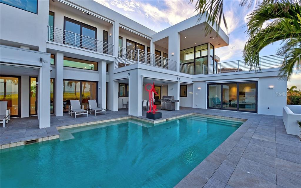1580 Harbor Cay Ln Property Photo