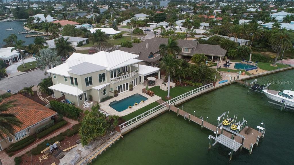 606 CRESTWOOD LN Property Photo - HOLMES BEACH, FL real estate listing