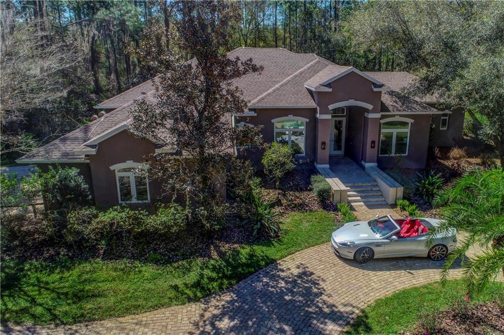 13799 Pine Woods Ln W Property Photo