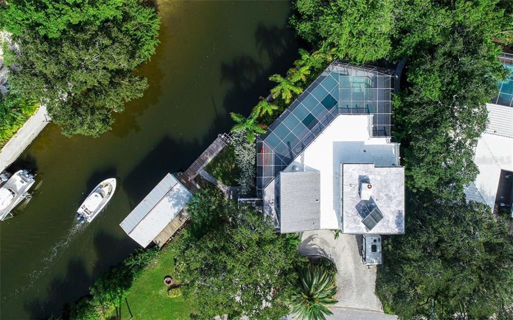 557 VENICE LN Property Photo - SARASOTA, FL real estate listing