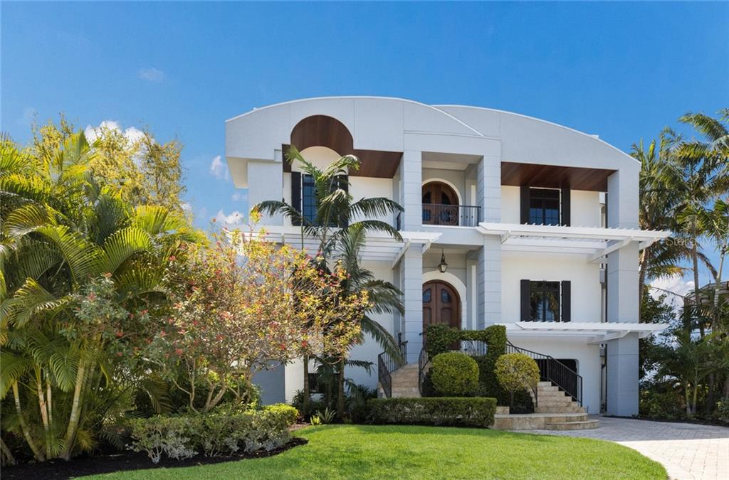 7052 HAWKS HARBOR CIR Property Photo - BRADENTON, FL real estate listing