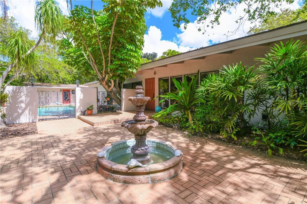 7345 PINE NEEDLE RD Property Photo - SARASOTA, FL real estate listing