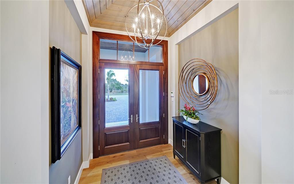 7914 Staysail Ct Property Photo 10