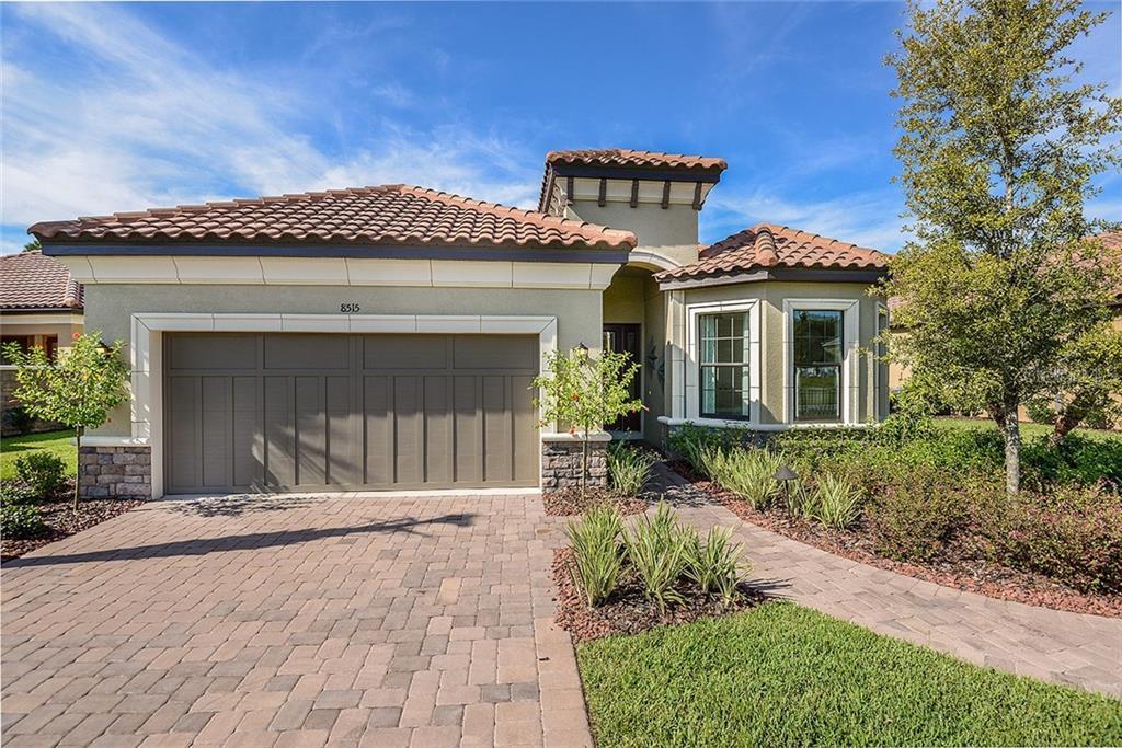 8518 GRAND ALBERATO RD Property Photo - TAMPA, FL real estate listing