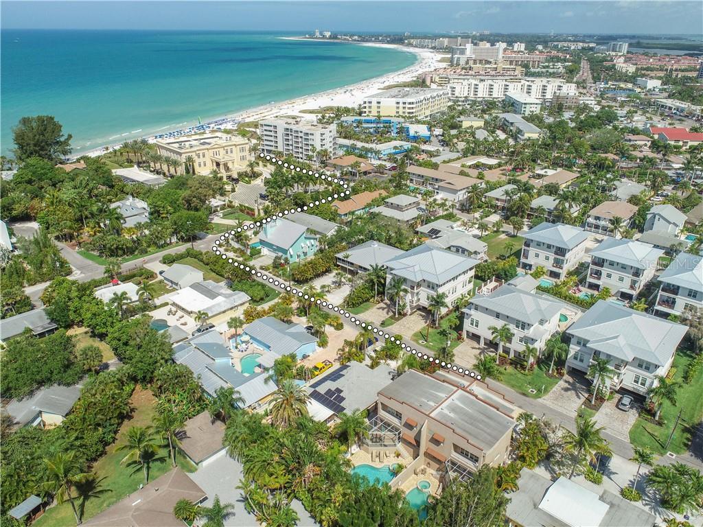 1028 + 1030 CRESCENT ST Property Photo - SARASOTA, FL real estate listing