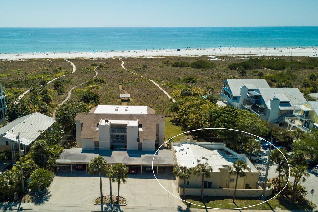 516 BEACH RD Property Photo - SARASOTA, FL real estate listing