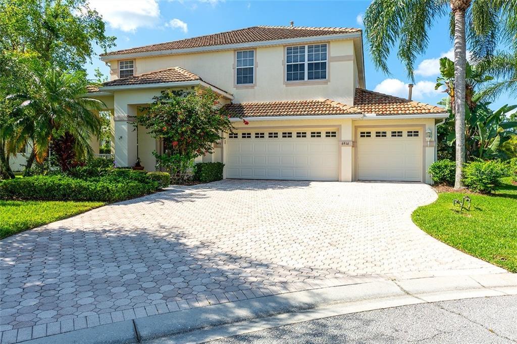 6916 67TH TER E Property Photo - BRADENTON, FL real estate listing