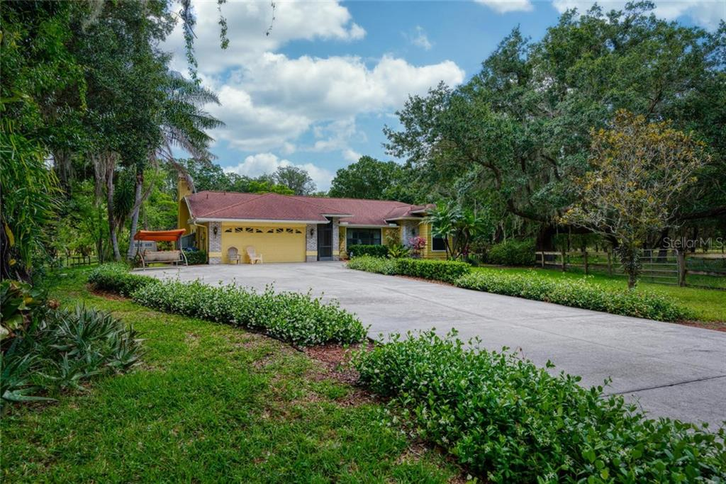 2107 MOCCASIN HOLLOW ROAD Property Photo