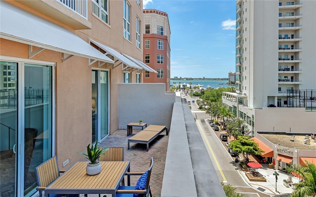 1350 MAIN ST #604 Property Photo - SARASOTA, FL real estate listing