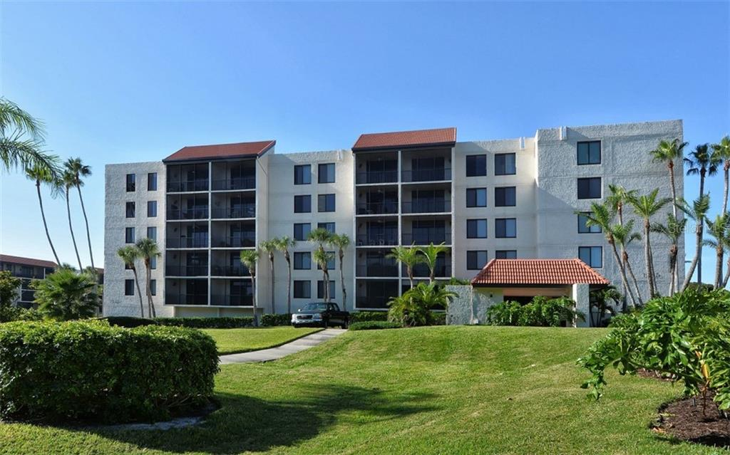 1945 GULF OF MEXICO DR #M2-102 Property Photo - LONGBOAT KEY, FL real estate listing