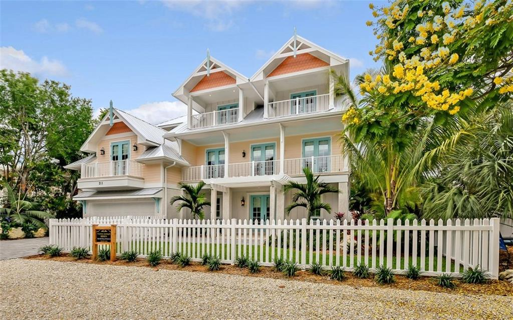 211 GLADIOLUS ST Property Photo - ANNA MARIA, FL real estate listing