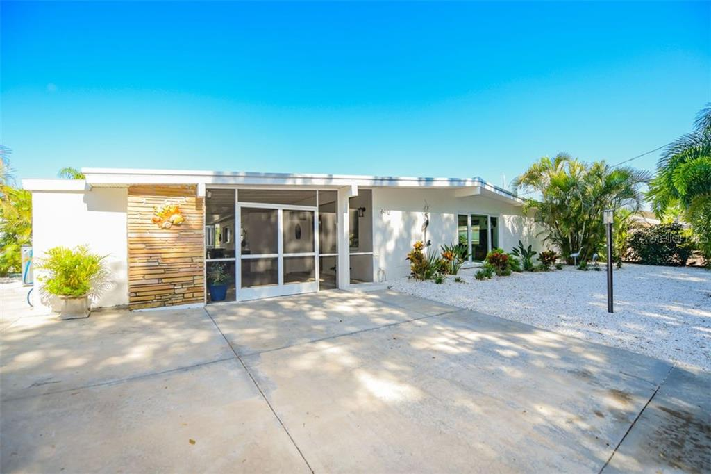 6912 26TH ST W Property Photo - BRADENTON, FL real estate listing