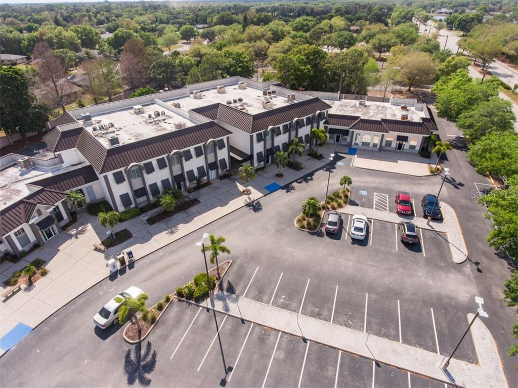 5250 17TH STREET #102 Property Photo - SARASOTA, FL real estate listing