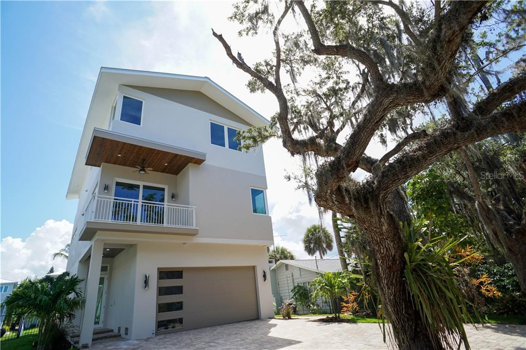 Property Photo - SARASOTA, FL real estate listing