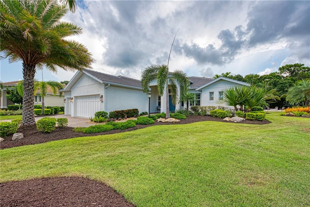 Ashton Oaks Real Estate Listings Main Image