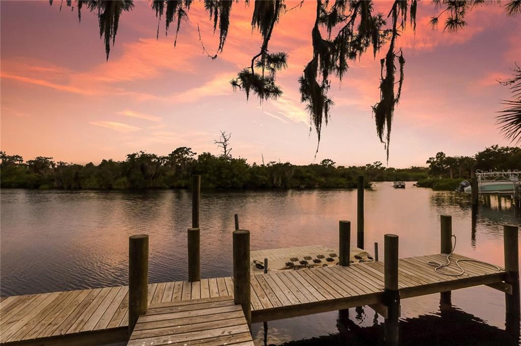 5482 56TH CT E Property Photo - BRADENTON, FL real estate listing