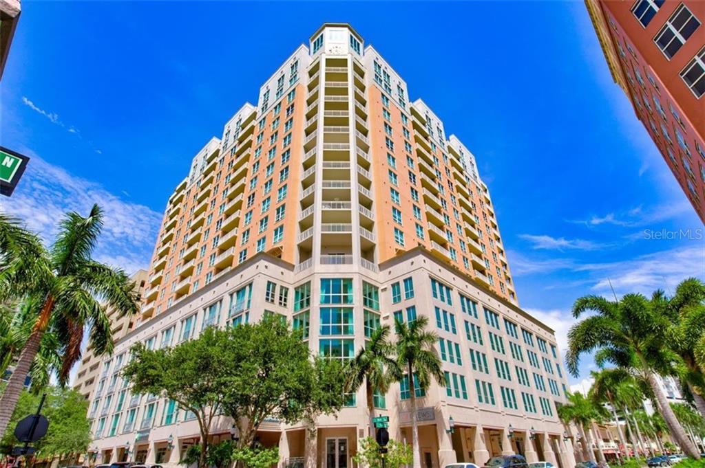 1350 MAIN ST #1210 Property Photo - SARASOTA, FL real estate listing