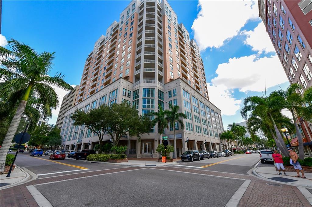 1350 MAIN ST #1001 Property Photo - SARASOTA, FL real estate listing