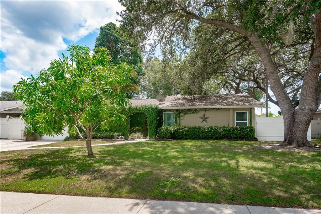 3316 KINGSWOOD DR Property Photo - SARASOTA, FL real estate listing