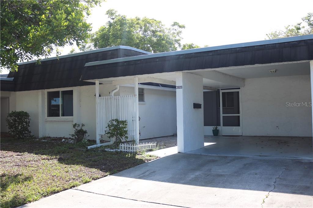 3909 ASHWOOD LANE #55 Property Photo - SARASOTA, FL real estate listing