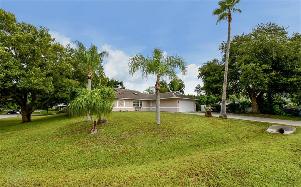 4847 BUNYAN ST Property Photo - SARASOTA, FL real estate listing