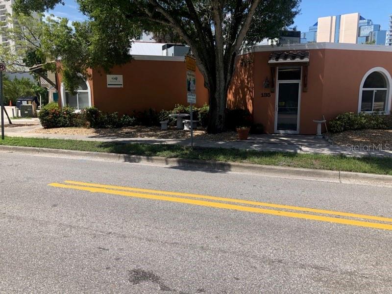 129 N Pineapple Avenue Property Photo