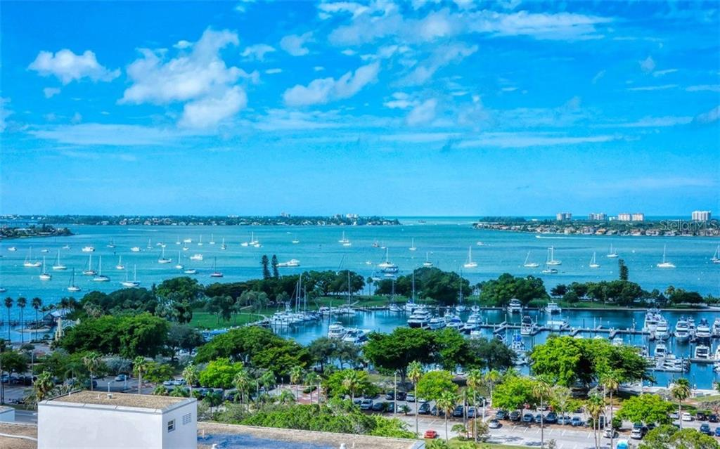 1350 MAIN ST #1408 Property Photo - SARASOTA, FL real estate listing